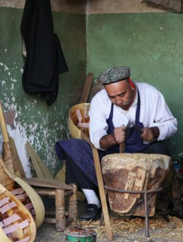 Уйгурская художественная резьба по дереву